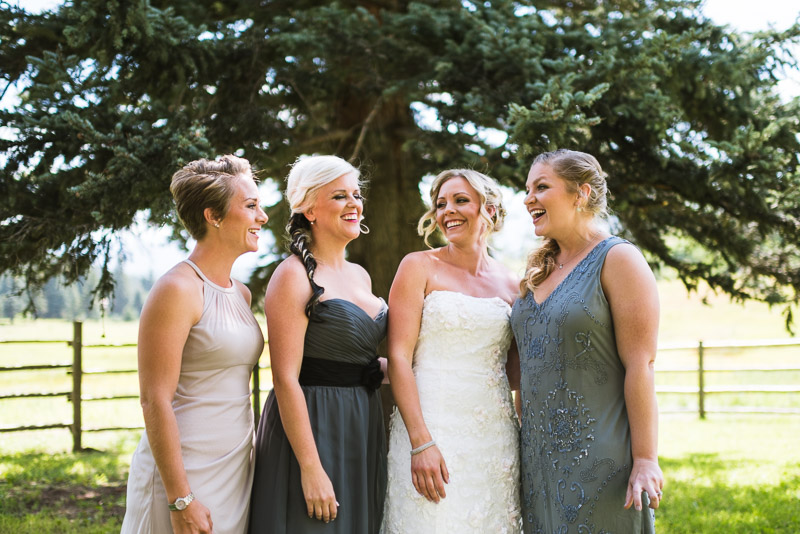 Cuchara Wedding Photographer smiling bridesmaids