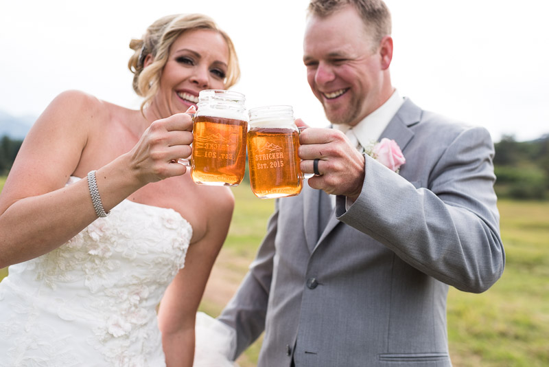 Cuchara Wedding Photographer beer toast