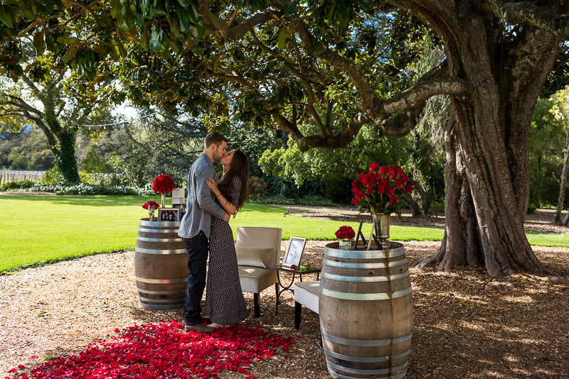 Sonoma Chateau St Jean Vineyard couple kiss