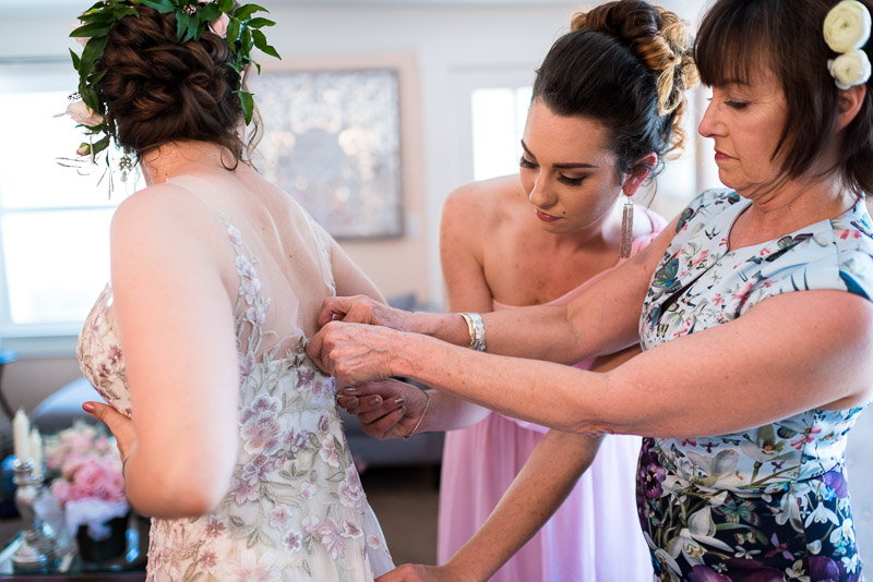 deer park villa wedding photography bride getting dressed