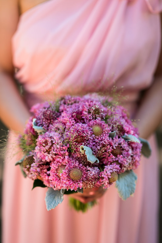 deer park villa wedding photography pink bouquet