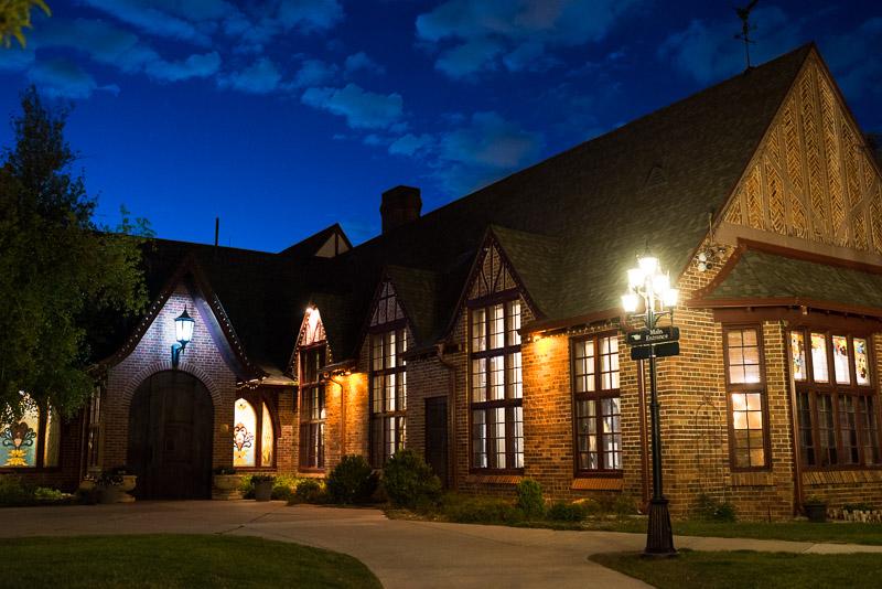 Denver Wedding Photography Wellshire Inn at night