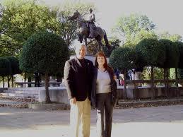 jdn-margi-forrest-statue-memphis-2008