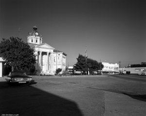 10-29-1986 Columbia Mississippi courthouse-Linhof Technika V 4x5 camera-90mm Schneider Super Angulon lens-K2 filter-Kodak Tri X Pan Pro 4x5 film-Kodak HC110B developer.