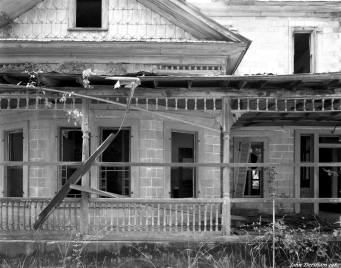 8-8-1987 The Bassfield Mansion-Mississippi-Linhof Technika 4x5 camera-150mm Schneider Symmar S lens-Kodak Tmax 400 4x5 film-Kodak HC110B developer
