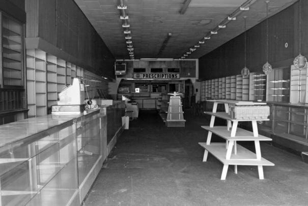 8-20-2015 Wikle Rexall Drug Store established 1983 closed 2000-Anniston Alabama-Canon 5D digital.