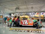 18Car_Inspection_people-2
