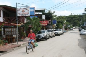 Samara is a peaceful village where expats and Ticos live peacefully but a shadowy drug culture threatens the climate.