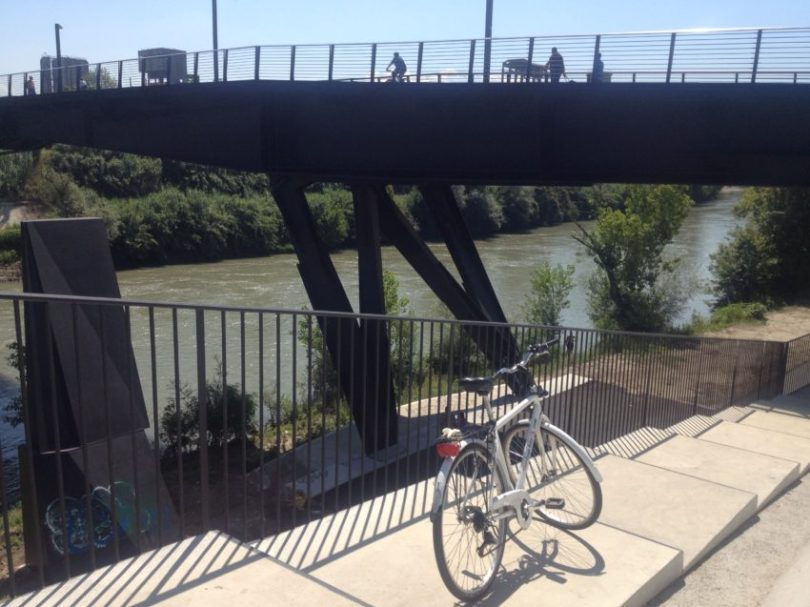 """The """"path"""" leading to the bike path along the Tiber River."""