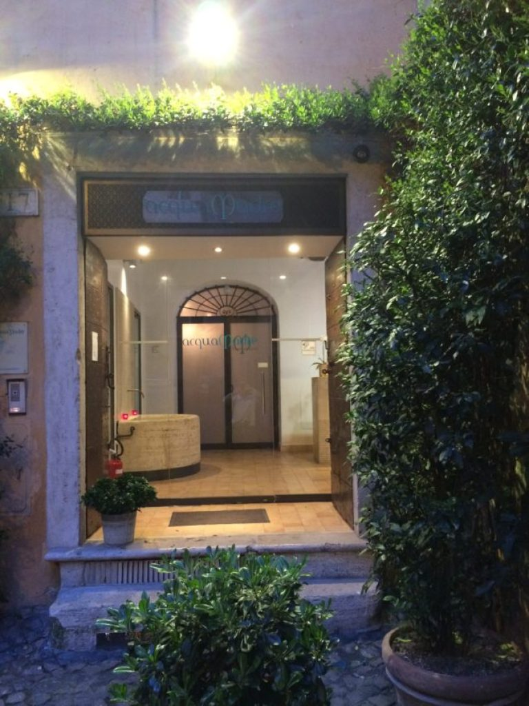 AcquaMadre is located in the heart of Rome's Jewish Ghetto.