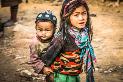 Akha children rarely associate with other hill tribes.
