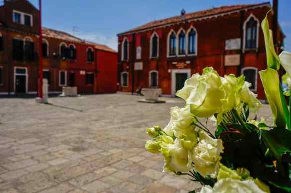 A quiet piazza in the Lido. Photo by Marina Pascucci