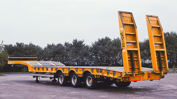 Drop/Step Frame Plant Trailer w/Ramps: 3 Axle