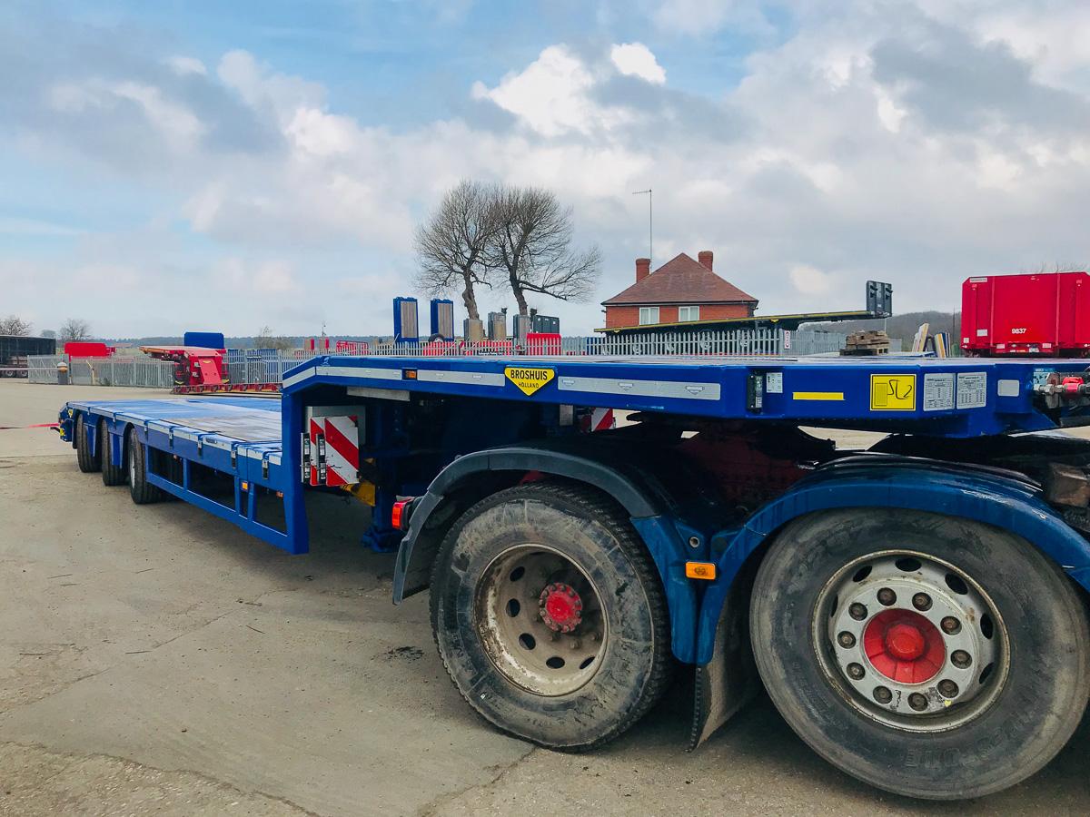 Broshuis semi low loader