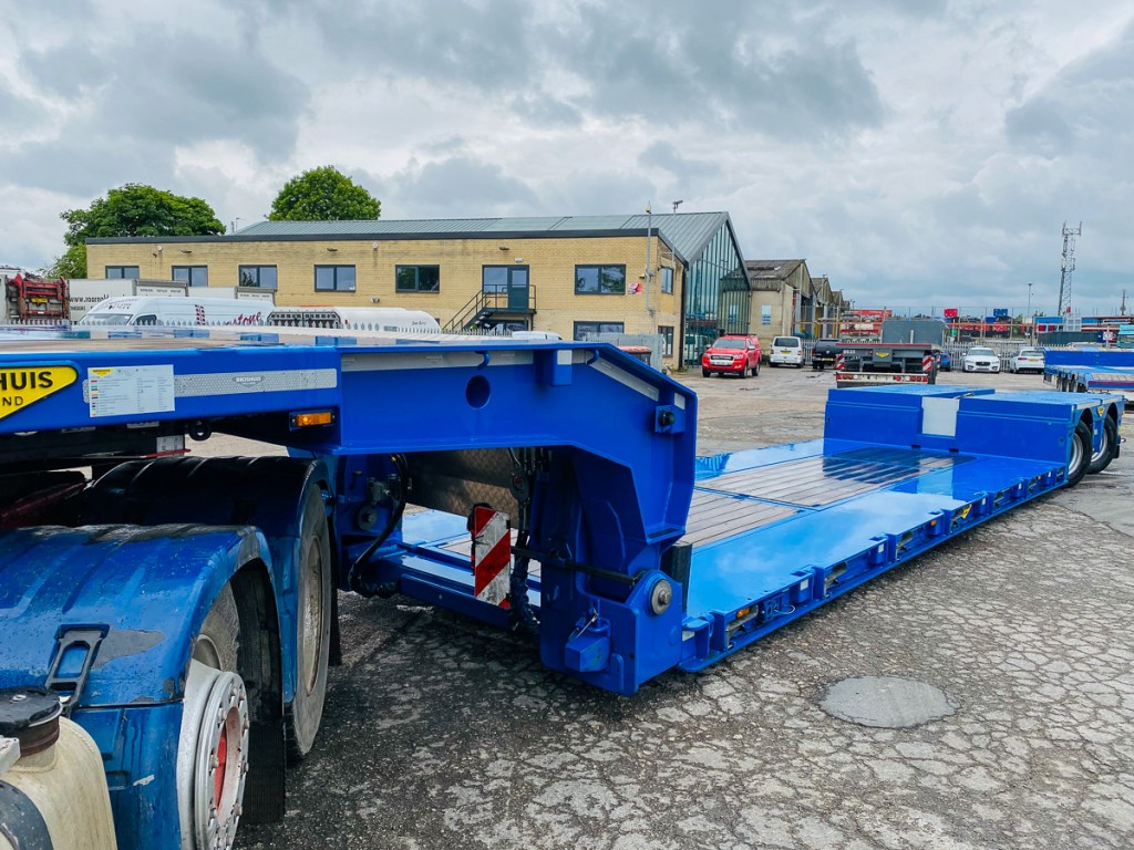 Broshuis extendable low loader