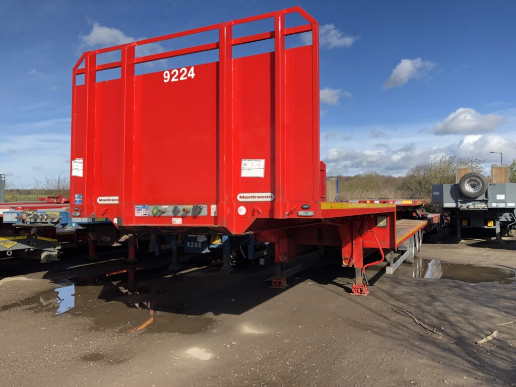New and used stepframe trailers Tri axle SDC, Broshuis, Dennison and Montracon.