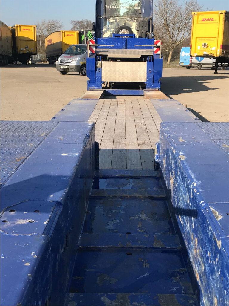 Broshuis Tandem Axle Low Loader HGV Trailer. 300mm wafer deck, 13.4m total length, 6.6m bed length.