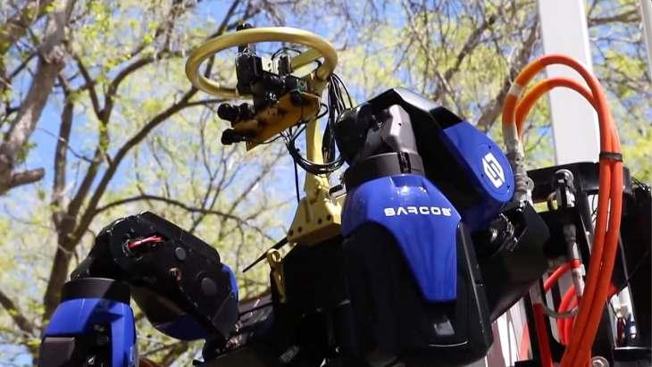 robots-cyborg-sarcos-work