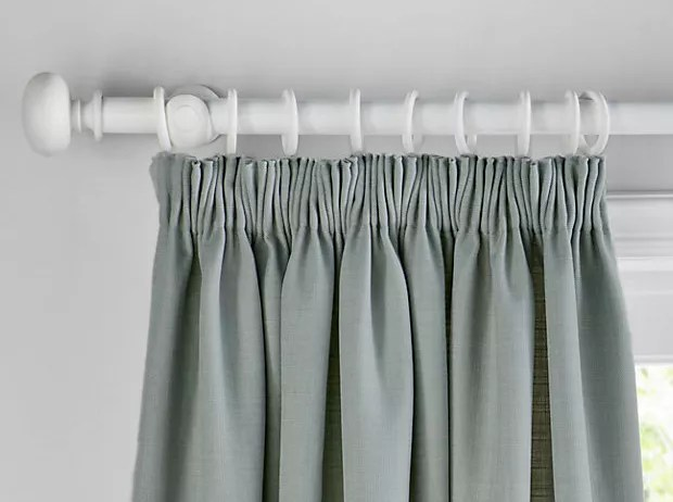 choosing the right type of curtains