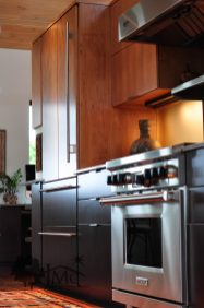 Kitchen Oven and Refrigerator in Goshen, Indiana