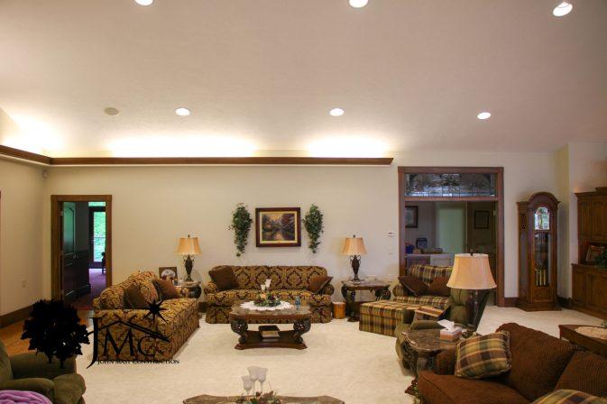 Large Spacious Livingroom in Bremen, Indiana
