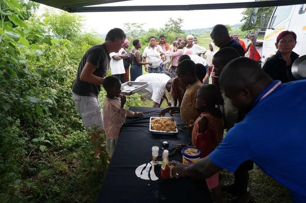 uganda lunch overland tour nomad