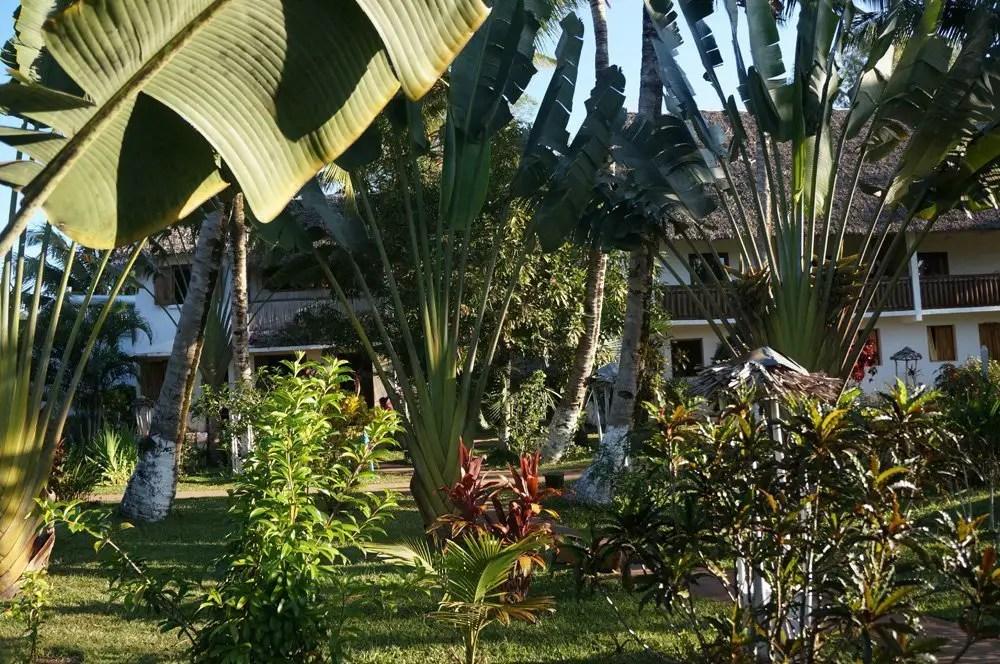 La Pirogue beachside hotel