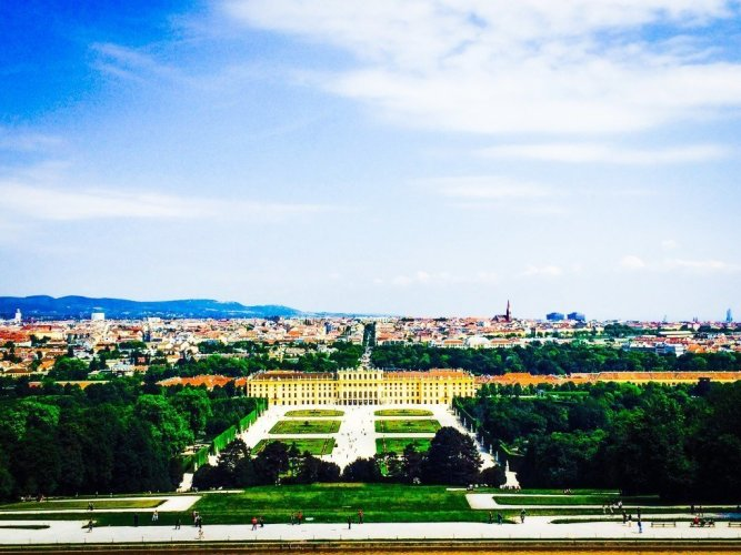 The view of the Schonbrunn Palace and the rest of Vienna from the Gloriette!