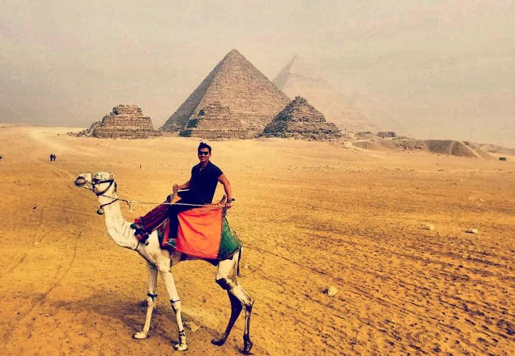 pyramids of giza egypt camel ride