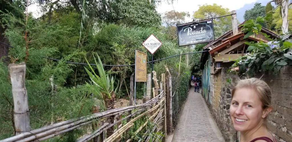 San Marcos La Laguna alley