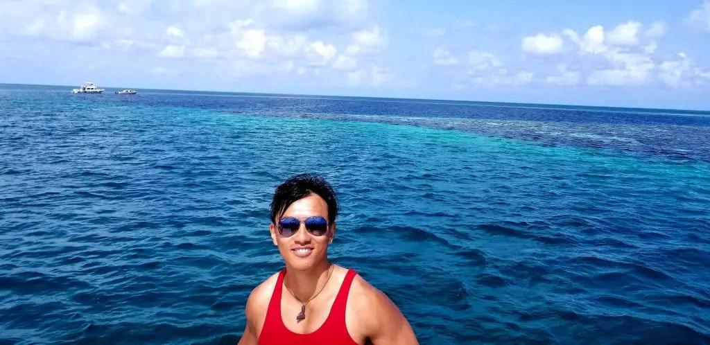 Caye caulker blue hole from the ocean belize