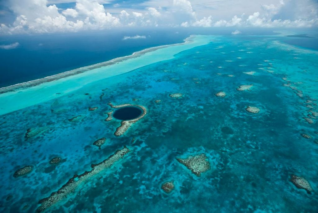 belize blue hole reef atoll