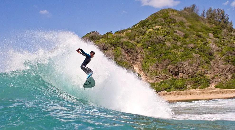 mozambique surfing ponta