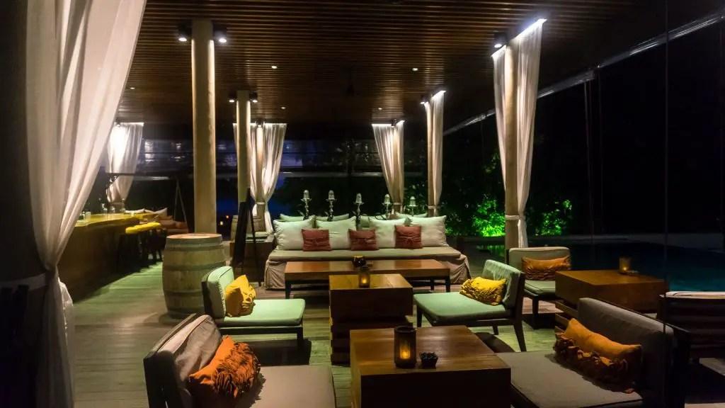 bar area park hyatt hadahaa