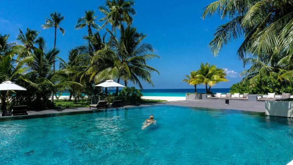 Infinity pool park hyatt hadahaa maldives