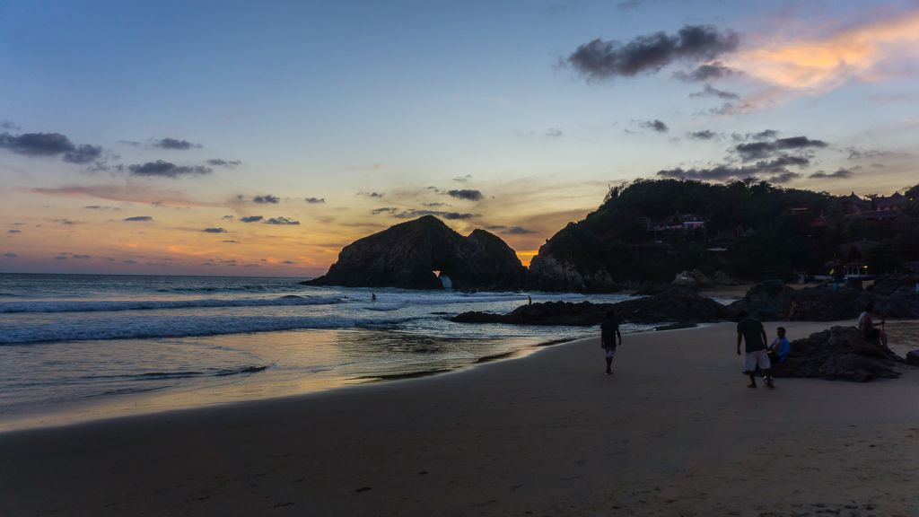 zipolite beach mexico oaxaca sunset