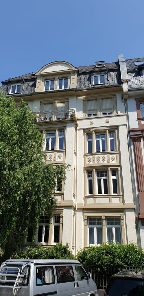 My new beautiful Altbau apartment building in Frankfurt!