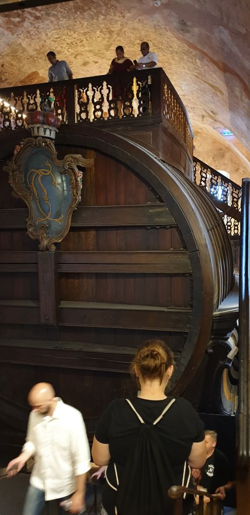 The huge old wine barrel of Heidelberg Castle!