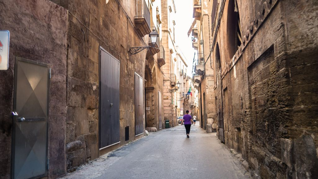 Walking the streets of Taranto
