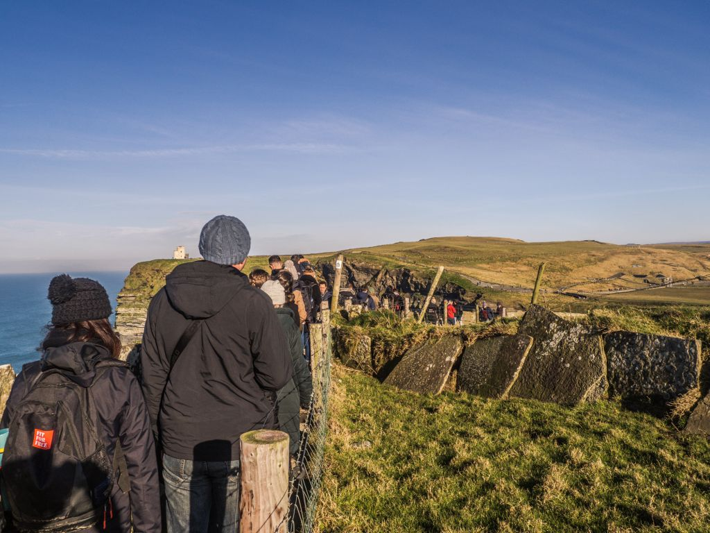 Cliffs of moher busy crowd