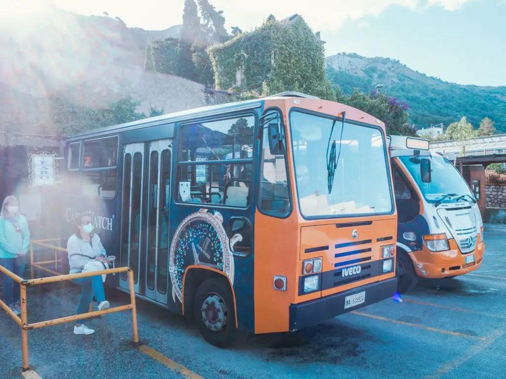 Buses in Capri