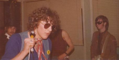 Dangerous bros 1977-2