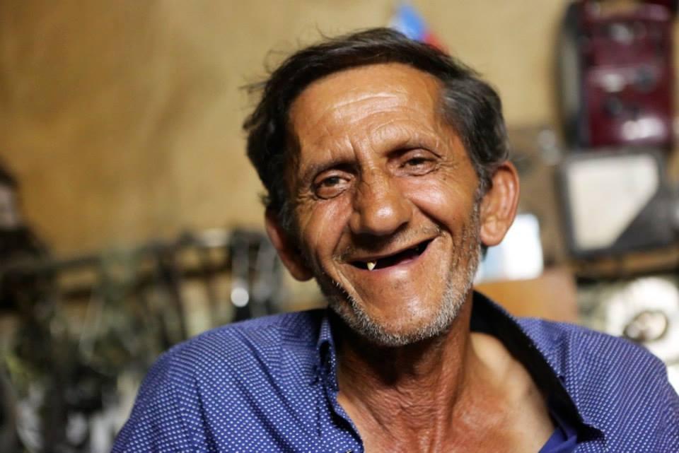 Verkstadsägaren i Sheki. Foto: Johnny Friskilä