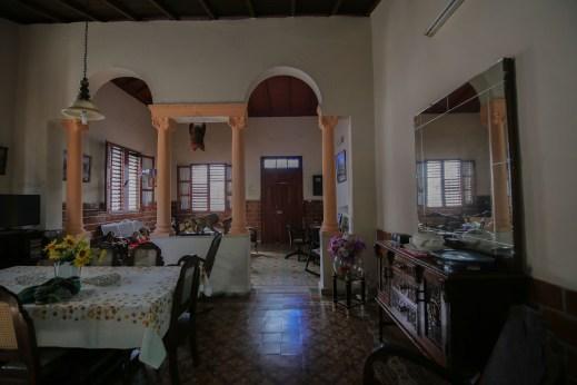 Cuba_hallway_livingroom_14