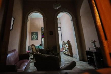 Cuba_hallway_livingroom_6