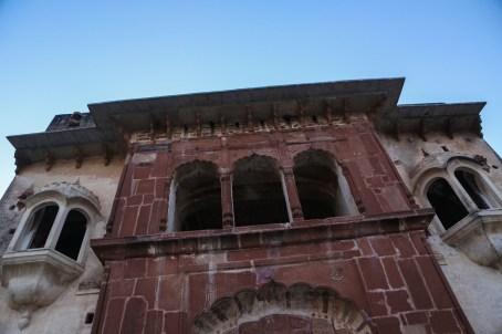 katasraj-katas-raj-temple-facade-1
