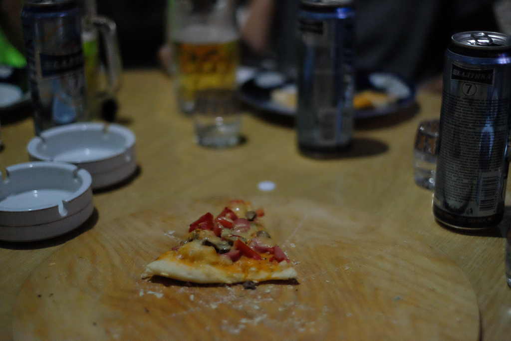 Midsommar-utomlands-pizza-Khorog-Tadzjikistan-2316