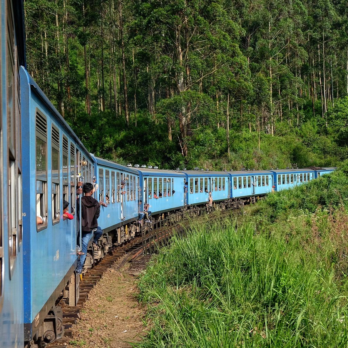 Trainride-Sri-Lanka