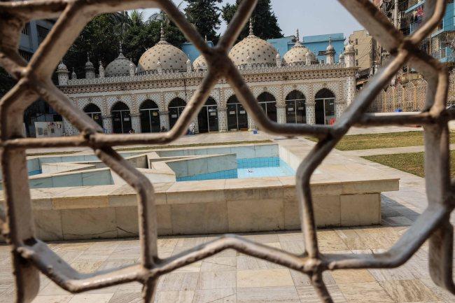 Star_Mosque_Tara_Masjid_Dhaka_Bangladesh-1708