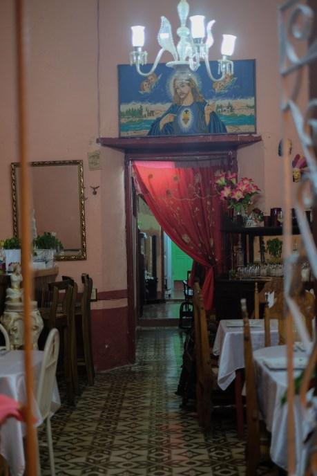 Cuba_hallway_livingroom_15